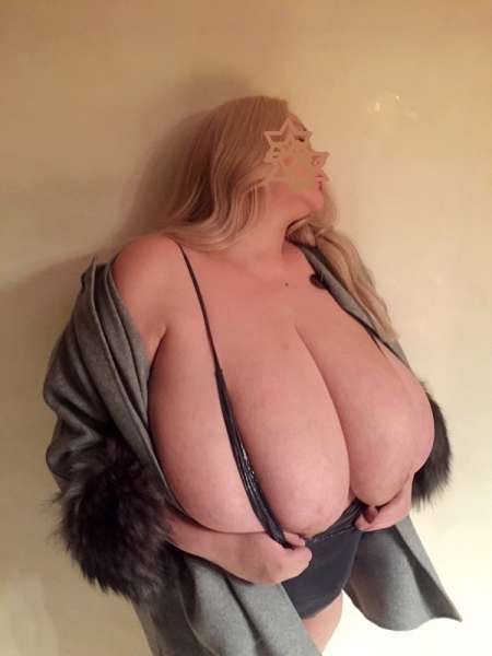 Big juggs escort girl in Paris-0620569323