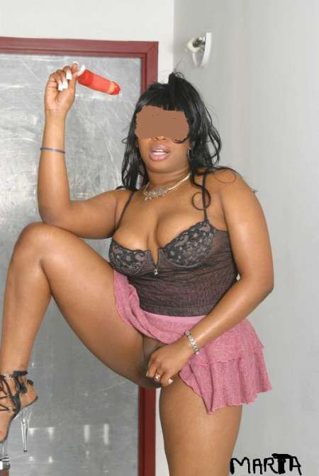 Marta belle black douce et caline massage complet